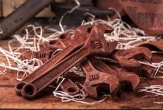 Шоколадний розвідний ключ